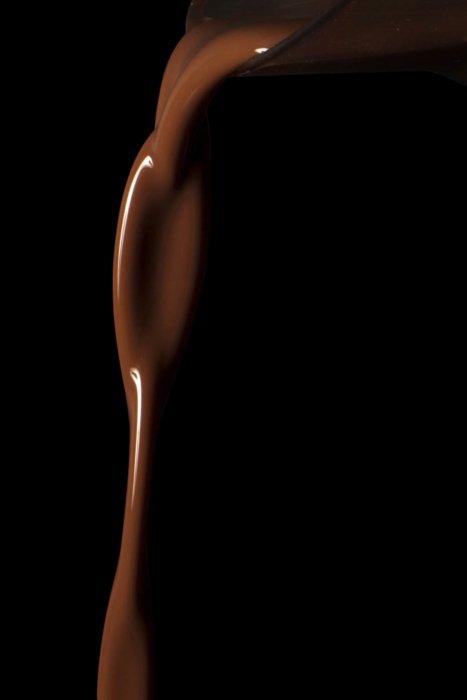 Pouring chocolate liquid