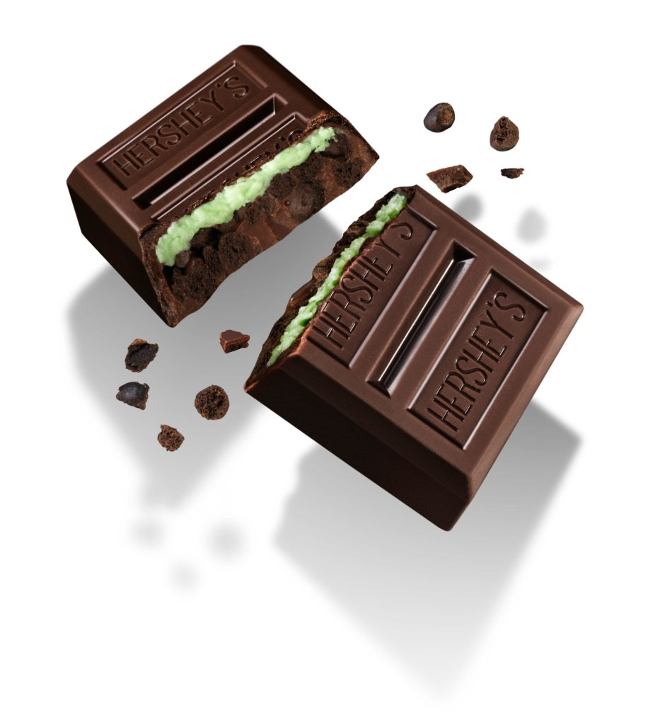 Hershey's Mint layered crunch chocolate bar