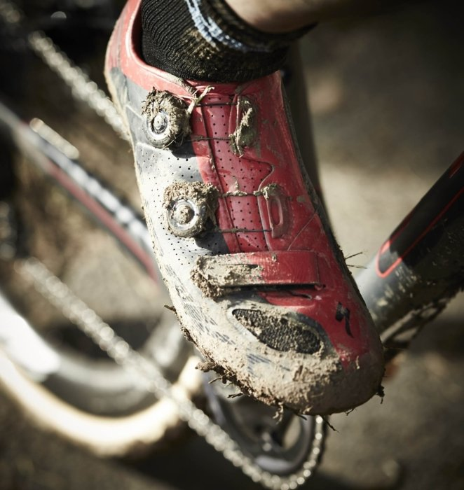BOA lace system on a cyclocross rider in a muddy race
