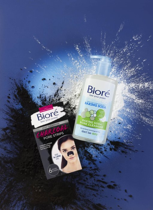 Biore baking soda and charcoal face cleaning - Cosmetics photography