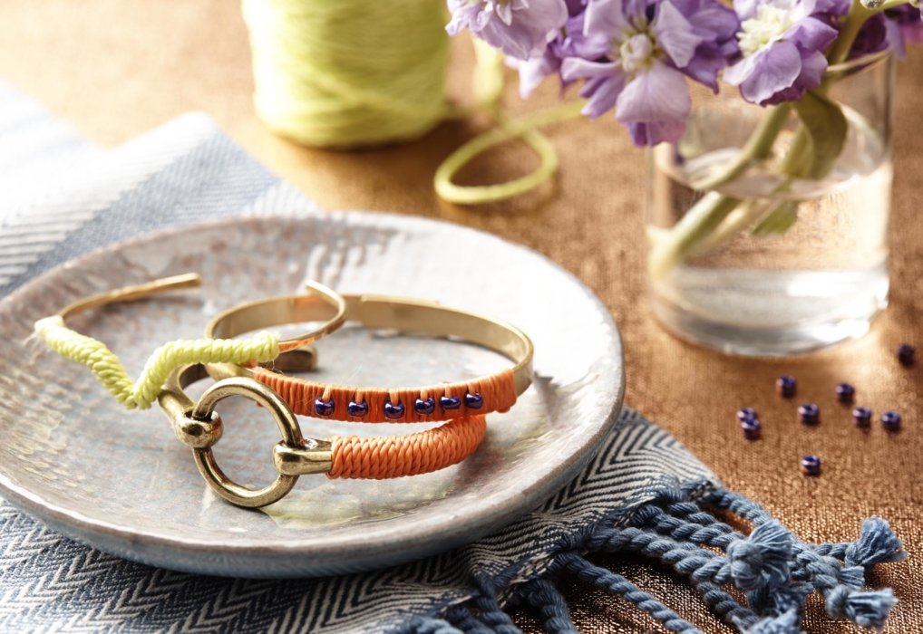 Craft jewelry on a plate