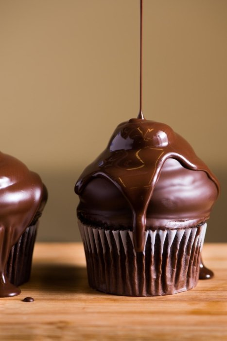 Chocolate Cupcake Drizzle