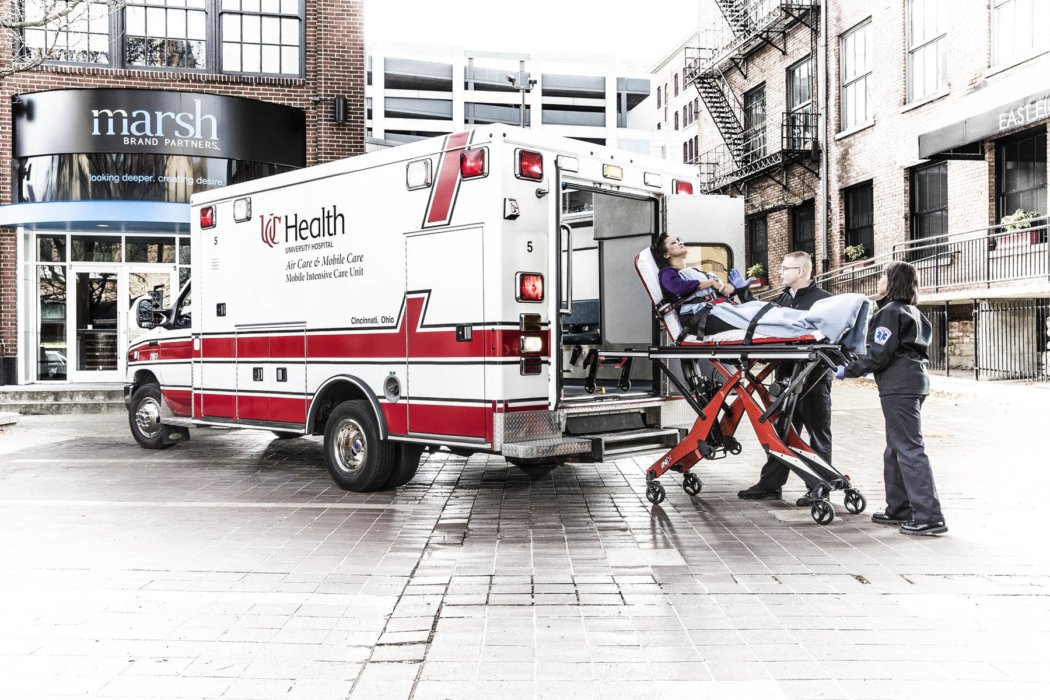An ambulance and EMTS in a city scene | Healthcare Photographer