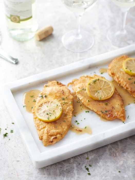Fish fried with lemon