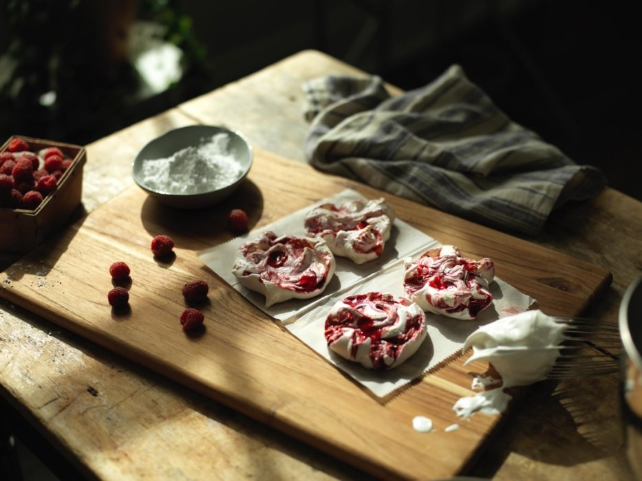 raspberry bread dough