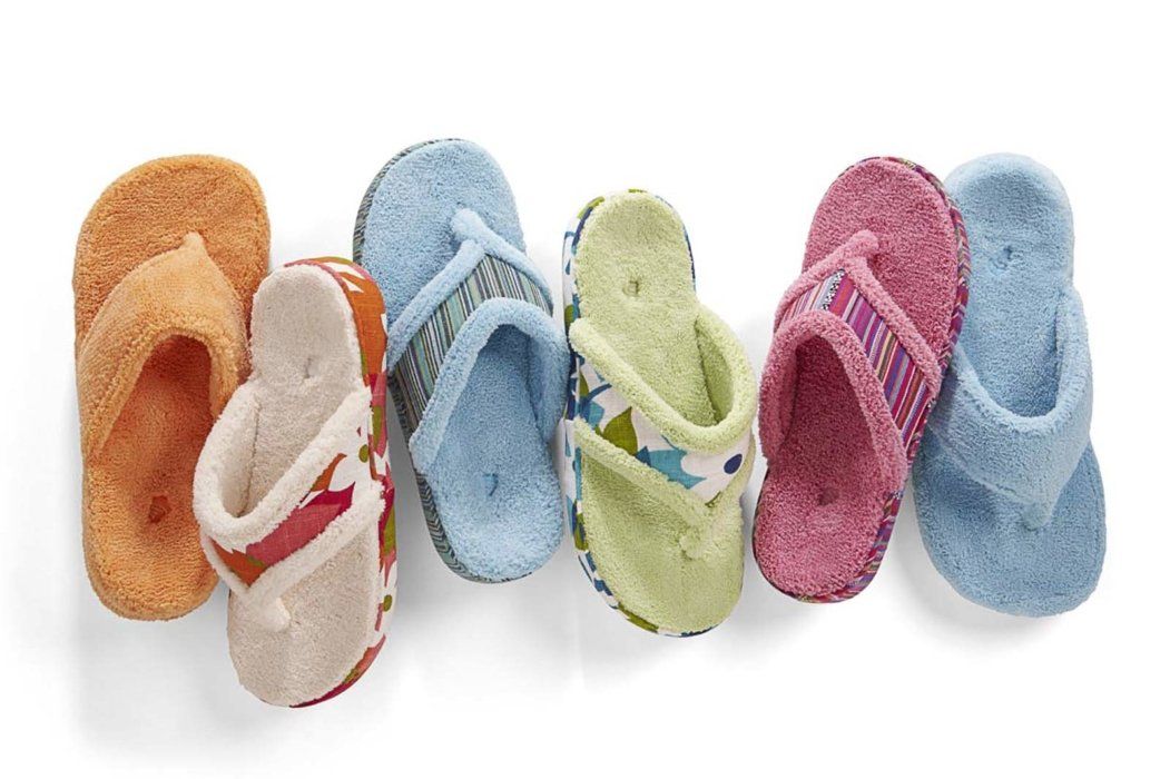 Totes Isotoner soft sandals