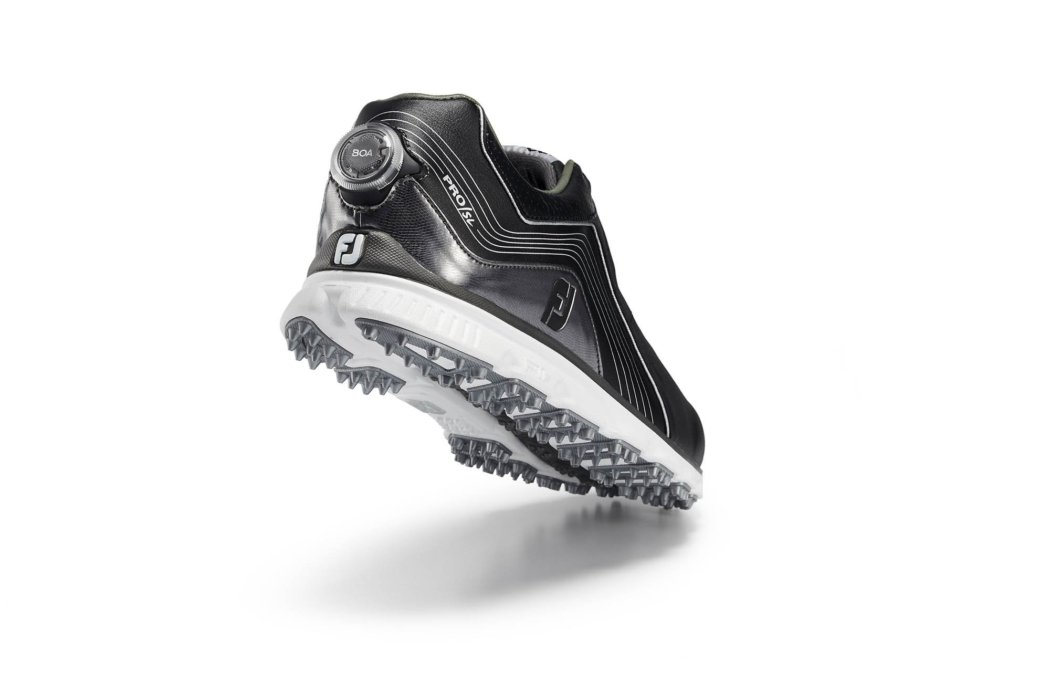 Product photography - A FJ shoe with the BOA running shoe