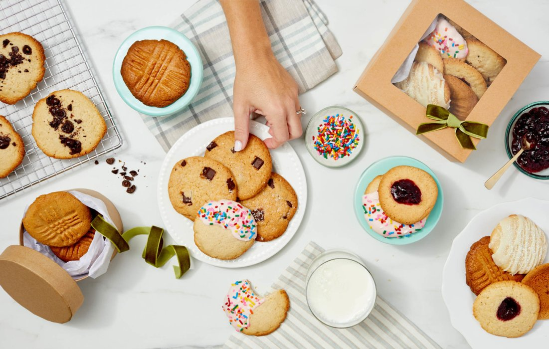 A table full of delicious cookies - Food styling