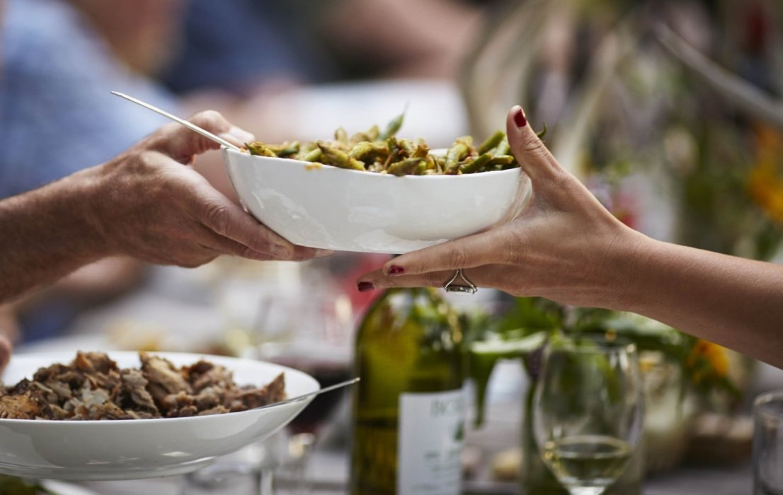 Food and lifestyle photography - farm to table family dinner