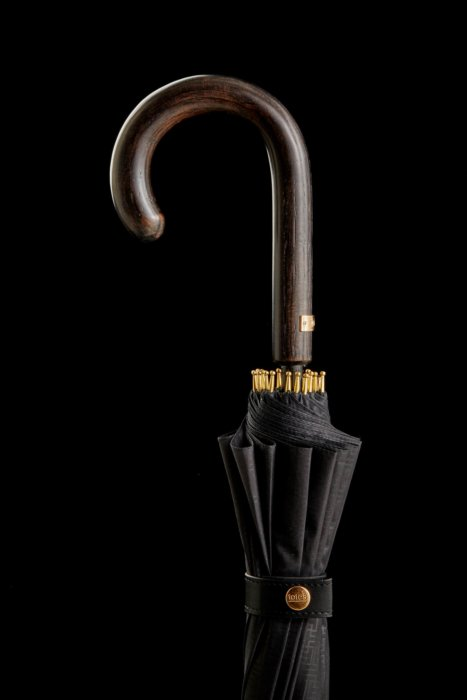 Detail photo of an umbrella handle - totes- Product Photography