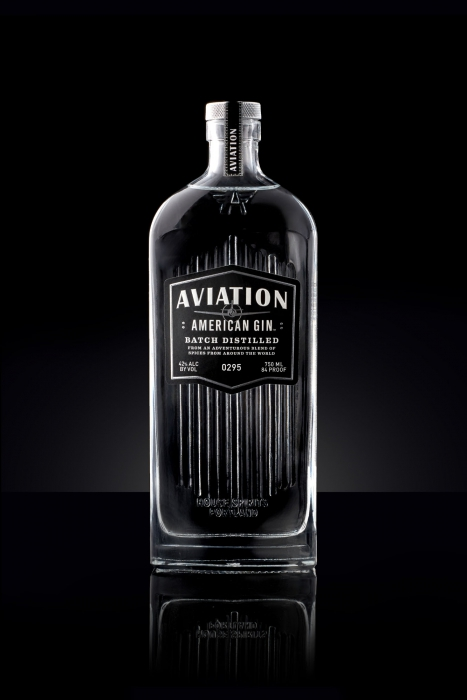 Avaiation american gin, in a art deco style setting - Drink photography